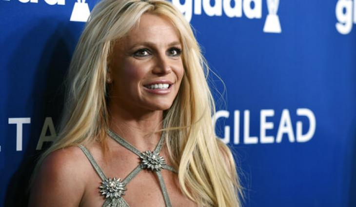 "Britney Spears Leaves Mental Health Facility for ""Day Trip"" With Boyfriend"