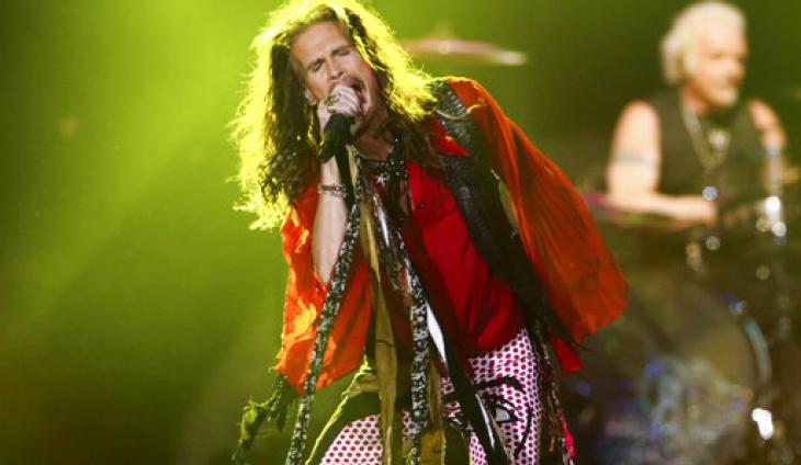 "Aerosmith Deliver Rare ""Movin' Out"" Performance at Las Vegas Residency"